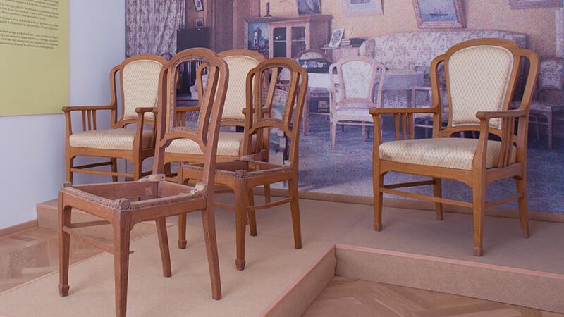 Кресла и стулья гарнитура Игральной комнаты наследника цесаревича Алексея Николаевича
