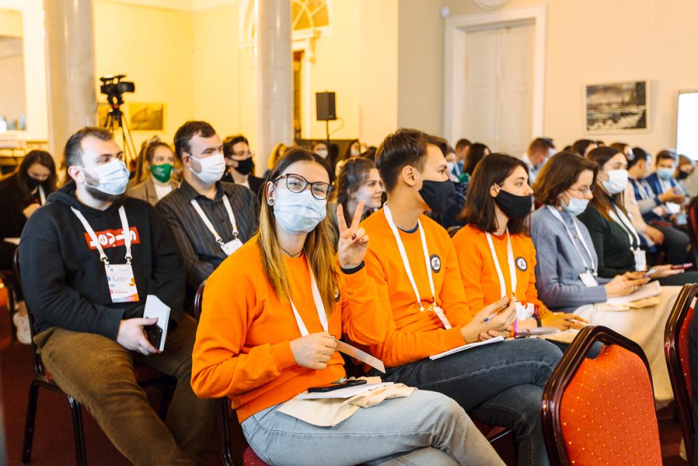 НИУ ВШЭ — Санкт-Петербург и Росмолодежь запустили проект для студенческих лидеров